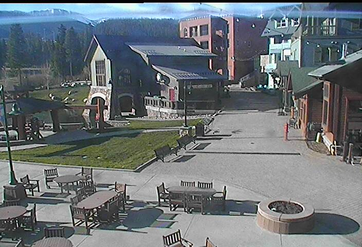 Ski Resort Snoasis Webcam - Winter Park, CO